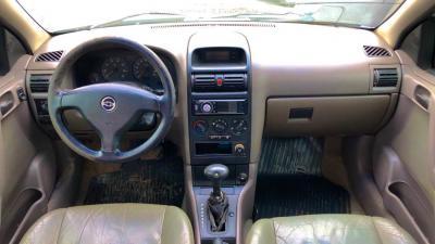 Astra Sedan 2.0 Automático